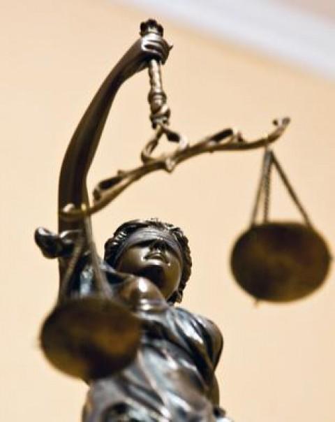 Explain Compliance Based Business Ethics